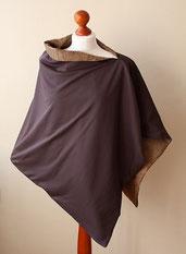 Cape 1 umgedreht und mit dem dunkelbraunen Jersey als Außenseite getragen