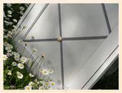 TA040-Dettaglio passamaneria grigio perla-roselline pasta di mais