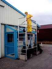 Foldable scaffolding narrow