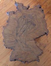 Deutschland-Baum-Holzscheibe-Tisch-Kunstwerk-Skulptur von künstlerstein.de Mathias Rüffert