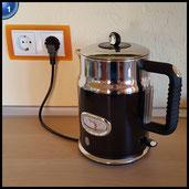 Russell Hobbs 21671-70 Retro Classic Wasserkocher mit stylischer Wassertemperaturanzeige, Schnellkochfunktion, 2400 W, schwarz