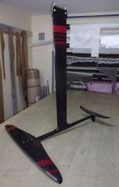 windfoils aeromod v2 noir-rouge cerise assemblé