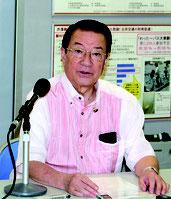 同氏は、交付金の使われ方などについて明言は避けた=14日、内閣府沖縄総合事務局