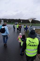 Die NABU Gruppe unterwegs beim Müll sammeln (Photo: H.Kowoll)