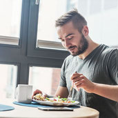 The Best Time to Eat Your Meals, According to Science