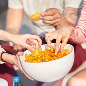 5 Dangerous Side Effects of Super Bowl Snacking