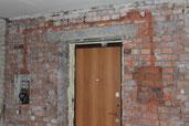 обустройство ниши в кирпичной стене при переносе элетрощита