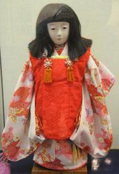 「ミス岡崎」と同じ形の人形