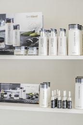 Zowel de producten van Dr. Baumann als cadeaubonnen zijn bij ons verkrijgbaar.