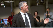 Richter Grimbeek dirigiert den Kienzlchor Waizenkirchen beim ORF