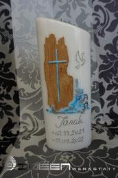 Taufkerze mit Holz