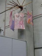 Wäschespinne mit Baumwollhemdchen 2014 Fa. Tünkers
