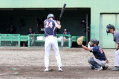 逆転の押し出し四球を選ぶ弘田伸部長