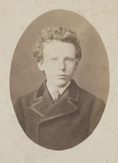 13歳のときのゴッホの写真。(テオの写真と最近判明されました)