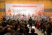 Blaskapelle Meeder mit neuer Uniform beim Jahreskonzert 2019