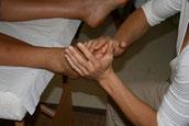 réflexologie, approche globale, massage énergétique