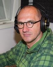 Günter Schoßböck bei der Aufnahme eine vorleser.net-Hörbuches