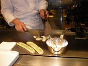 画像:料理を作るコックさん