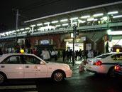 画像:駅のタクシー乗り場