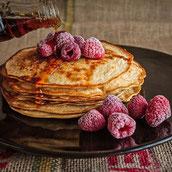 Protein Eiweiß Muskelaufbau Pfannkuchen Himbeeren Rezept Frühstück
