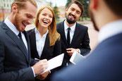 Mitarbeiterbefragung: Konzeptionierung von Fragebögen und Durchführung von Mitarbeiterbefragungen inklusive Auswertung, Analyse und Berichterstattung an die Geschäftsleitung