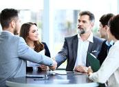 Kolloquium mit Geschäftsleitung oder Führungsrunde. Besprechung aller relevanten Punkte, Erörterung von Optimierungsvorschlägen, Festlegung eines Maßnahmenkataloges, Formulierung von Statements / Richtlinien zur Unternehmenskultur