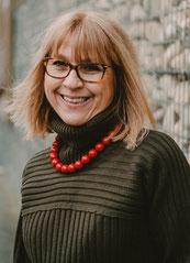 Pascale Matthews  -by chouchou, accessoires thérapeutiques et ludiques Alzheimer