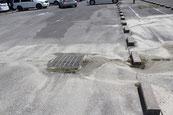 淡路ワールドパークONOKOROの駐車場の噴砂