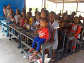 Schülerinnen der Tayaky Schule