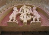 Le tympan de l'église Romane Sainte-Radegonde