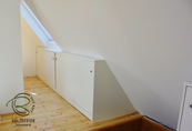 Einbauschrank, Dachnischenschränke nach Maß in weiß mit Schiebetüren