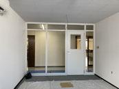 和室から会議室へ改装工事を致しました。
