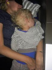Gemeinsam schlafen auf den Business Sitz