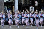 10.アース製薬賞_「トリの魅せ場 本殿前演舞」」
