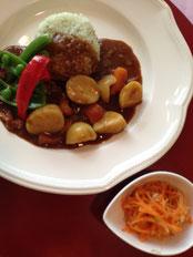 野菜入りのカレー例 ¥800