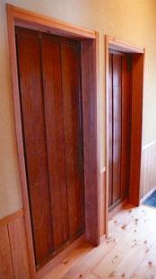 脱衣室・トイレ建具古い片引き板戸