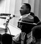 """Мартин Лютер Кинг произносит речь """"У меня есть мечта"""""""