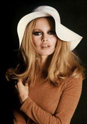Brigitte Bardot, Mercure carré à Pluton.