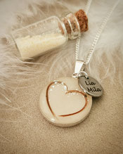 18 mm Medaillon mit Herzhaarsträhne, Blattsilber und Edelstahl Gravurplättchen