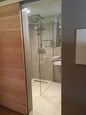 Bad und Dusche im baubiologischem Haus, Frankreich,  funkfrei, wlanfrei, wififree