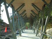 転び柱の回廊