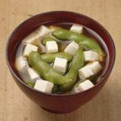 枝豆と豆腐の味噌汁