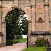 Motorisation portail lourd château UK avec automatisme à roue AKIA