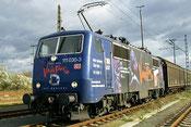 26.10.2002, der wohl einzigste Besuch einer DBAG BR 111 in Pirna, brachte einen Sdz. mit Hilfsgüter für Hochwasseropfer.
