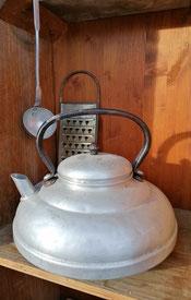 alter Wasserkocher aus Alu
