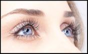 Augenbrauen und Wimpern Model Blau