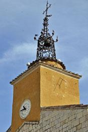 campanile payé par les paroissiens, pendule et cadran solaire