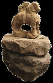 Coffre funéraire et statue d'Epona croix guillaume site archéologique saint-quirin