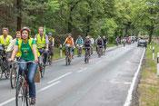 Demo für Radwegbau entlang der L21 zwischen Zühlsdorf und Summt
