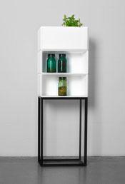 Smartes Kleinmöbel Drigital: Ein Metallgestellt schwarz, drei MDF Boxen weiss, über dreissig Varianten - ohne Werkzeug, einfach ineinander stecken